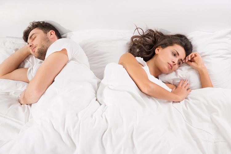 К чему снится измена мужа и стоит ли беспокоиться из-за этого?