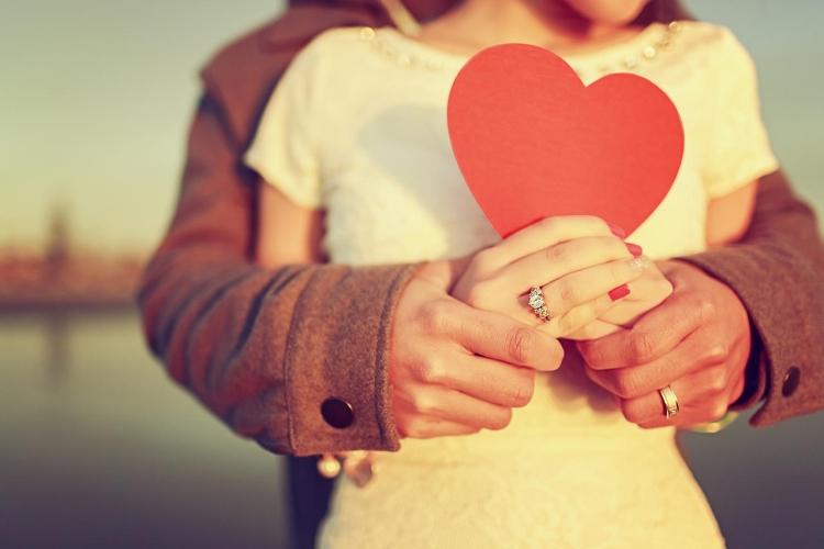 100 лучших стихов о любви красивые и романтичные